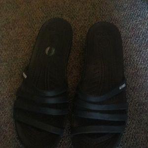 Womans crocs Patricia wedge sandals 11 black